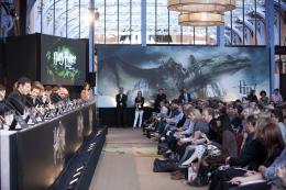photo 132/132 - Conférence de presse de Harry Potter et Les Reliques de la Mort - 2ème Partie - Harry Potter et Les Reliques de la Mort - 2ème Partie - © Warner Bros