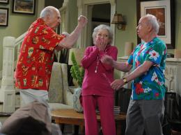 Tim Conway Hot in Cleveland photo 2 sur 2