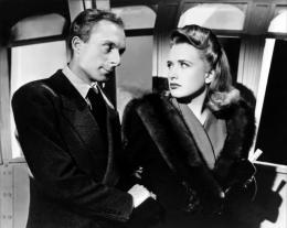 photo 4/10 - Norman Lloyd et Priscilla Lane - La cinqui�me colonne - © Swashbuckler Films