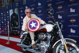 Stan Lee Avant-première de Captain America photo 4 sur 4