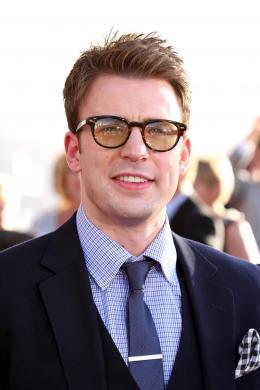 photo 27/65 - Chris Evans - Avant-première de Captain America - Captain America : First Avenger - © Paramount