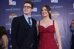 photo 31/65 - Chris Evans et Hayley Atwell - Avant-première de Captain America - Captain America : First Avenger - © Paramount