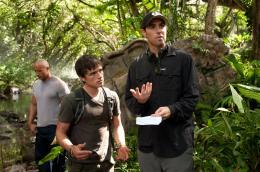 photo 13/50 - Josh Hutcherson, Brad Peyton - Voyage au centre de la Terre 2 : l'île mystérieuse - © Warner Bros