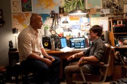 photo 2/50 - Dwayne Johnson, Josh Hutcherson - Voyage au centre de la Terre 2 : l'île mystérieuse - © Warner Bros