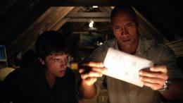 photo 21/50 - Josh Hutcherson, Dwayne Johnson - Voyage au centre de la Terre 2 : l'île mystérieuse - © Warner Bros