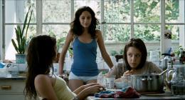 Trois soeurs Martina Juncadella, Maria Canale, Ailín Salas photo 3 sur 3