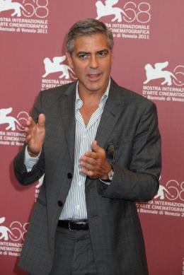 photo 17/69 - George Clooney - Photocall Les Marches du Pouvoir, 31 aout 2011, Venise - Les Marches du pouvoir - © Isabelle Vautier pour Commeaucinema.com