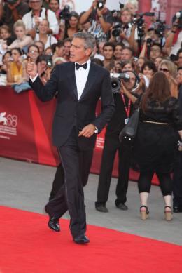 photo 36/69 - George Clooney - Tapis rouge du film Les Marches du pouvoir, 31 aout 2011, Venise - Les Marches du pouvoir - © Isabelle Vautier pour Commeaucinema.com