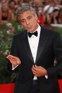 photo 56/69 - George Clooney - Tapis rouge du film Les Marches du pouvoir, 31 aout 2011, Venise - Les Marches du pouvoir - © Isabelle Vautier pour Commeaucinema.com