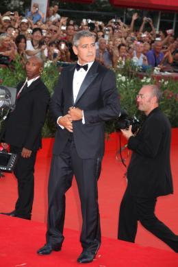 photo 44/69 - George Clooney - Tapis rouge du film Les Marches du pouvoir, 31 aout 2011, Venise - Les Marches du pouvoir - © Isabelle Vautier pour Commeaucinema.com