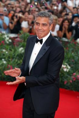 photo 53/69 - George Clooney - Tapis rouge du film Les Marches du pouvoir, 31 aout 2011, Venise - Les Marches du pouvoir - © Isabelle Vautier pour Commeaucinema.com