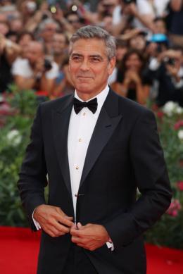photo 48/69 - George Clooney - Tapis rouge du film Les Marches du pouvoir, 31 aout 2011, Venise - Les Marches du pouvoir - © Isabelle Vautier pour Commeaucinema.com