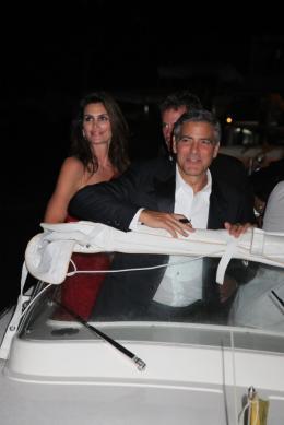 photo 69/69 - Cindy Crawford et George Clooney - Diner Les Marches du pouvoir, 31 aout 2011, Venise - Les Marches du pouvoir - © Isabelle Vautier pour Commeaucinema.com