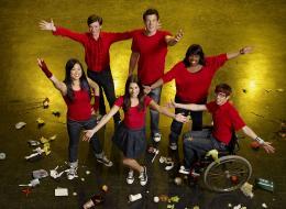 photo 11/64 - Jenna Ushkowitz,Lea Michele, Kevin McHale, Chris Colfer,Cory Monteith, Amber Riley - Glee - Int�grale de la saison 1 - © Fox Path� Europa