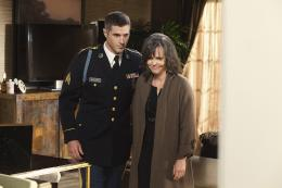 photo 6/7 - Dave Annable, Sally Field - Brothers and Sisters - Saison 5 - © ABC Studios
