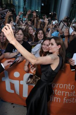 photo 22/35 - Angelina Jolie - Avant-première du film Le Stratège à Toronto - Le Stratège - © Sony Pictures