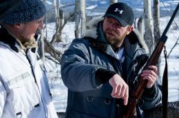 photo 4/27 - Liam Neeson, Joe Carnahan - Le Territoire des loups - © Metropolitan Film