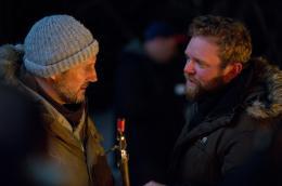 photo 8/27 - Liam Neeson, Joe Carnahan - Le Territoire des loups - © Metropolitan Film