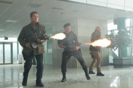 photo 11/46 - Arnold Schwarzenegger, Sylvester Stallone, Bruce Willis - Expendables 2 : unit� sp�ciale - © Metropolitan Film