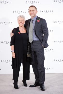 photo 52/67 - Judi Dench et Daniel Craig - Conf�rence de presse du film Skyfall - Skyfall - © Sony Pictures