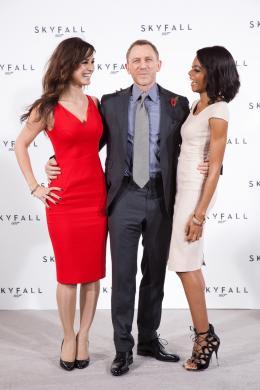 photo 42/67 - B�r�nice Marlohe, Daniel Craig et Naomi Harris - Conf�rence de presse du film Skyfall - Skyfall - © Sony Pictures