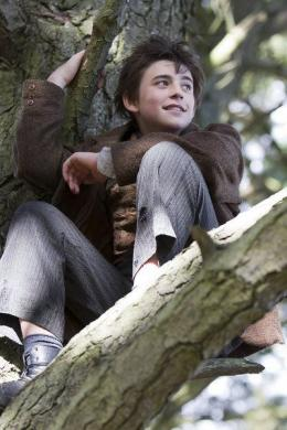 Charlie Rowe Neverland photo 5 sur 7