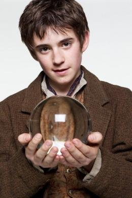 Charlie Rowe Neverland photo 6 sur 7