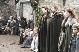 photo 33/78 - Richard Madden, Sean Bean, Michelle Fairley - Game of Thrones - Saison 1 - © Warner Home Vidéo