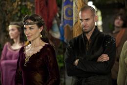 photo 6/14 - Claire Forlani et Joseph Fiennes - Camelot - Saison 1 - © Métropolitan Film Export