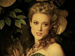 photo 19/20 - Zoie Palmer - Lost Girl - Saison 4 - © © Showcase Entertainment Inc.
