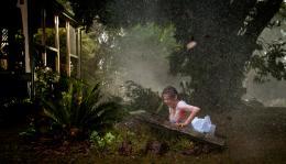 photo 5/18 - Charlotte Rampling - L'oeil du cyclone - © Films sans Fronti�res