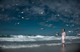 photo 13/18 - Charlotte Rampling - L'oeil du cyclone - © Films sans Fronti�res