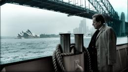 photo 12/18 - Geoffrey Rush - L'oeil du cyclone - © Films sans Fronti�res
