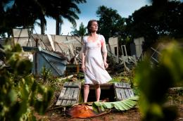 photo 8/18 - Charlotte Rampling - L'oeil du cyclone - © Films sans Fronti�res