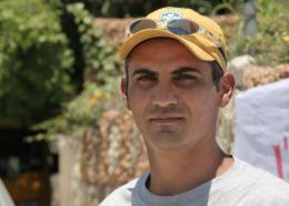 Emad Burnat 5 broken cameras photo 2 sur 2