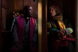 photo 3/18 - Bernadette Lafont, Pascal N'Zonzi - Paulette - © Gaumont Distribution