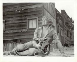 L'homme qui n'a pas d'étoile Kirk Douglas photo 6 sur 13
