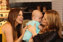photo 13/20 - Bethany Joy Lenz et Sophia Bush - Les Frères Scott - Saison 8 - © Warner Home Vidéo
