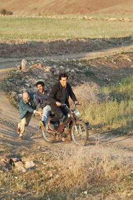 N� quelque part Fatsah Bouyahmed, Jamel Debbouze et Tewfik Jallab photo 1 sur 20