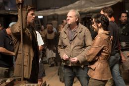 photo 48/120 - Liam Hemsworth, Francis Lawrence, Jennifer Lawrence - Hunger Games - L'Embrasement - © Metropolitan Film