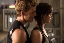 photo 46/120 - Sam Claflin, Jennifer Lawrence - Hunger Games - L'Embrasement - © Metropolitan Film