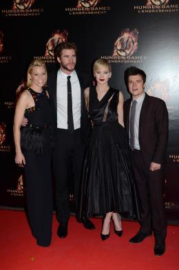 photo 73/120 - Elizabeth Banks, Liam Wemsworth, Jennifer Lawrence, Josh Hutcherson - Hunger Games - L'Embrasement - © Metropolitan Film