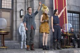photo 15/120 - Josh Hutcherson, Elizabeth Banks, Jennifer Lawrence - Hunger Games - L'Embrasement - © Metropolitan Film