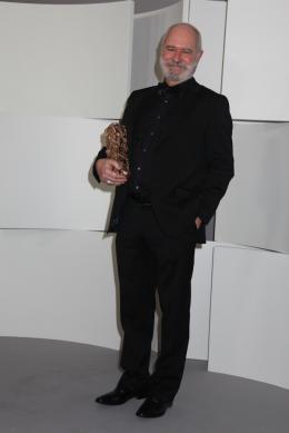 photo 1/10 - Christian Rouaud - Photocall des lauréats - César 2012 - Tous au Larzac - © Isabelle Vautier pour CommeAuCinema.com