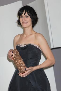 photo 2/11 - Clotilde Hesme - Photocall des lauréats - César 2012 - Angèle et Tony - © Isabelle Vautier pour CommeAuCinema.com