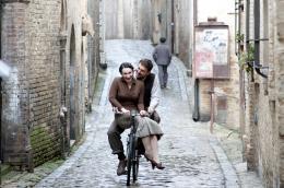 photo 5/11 - Cesare Cremonini - Il cuore grande delle ragazze - © Les Films de l'Astre