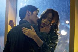photo 2/6 - Kim Kang-woo, Kim Hyo-jin - L'Ivresse de l'Argent - © Wild Side Films/Le Pacte