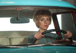 photo 9/23 - Scarlett Johansson - Hitchcock - © 20th Century Fox