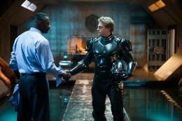 photo 62/112 - Idris Elba, Charlie Hunnam - Pacific Rim - © Warner Bros