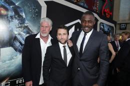 photo 111/112 - Ron Perlman, Charlie Day et Idris Elba - Pacific Rim - © Warner Bros